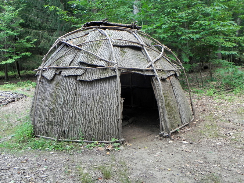 https://firstnationculturaltours.files.wordpress.com/2013/08/wigwam-001.jpg